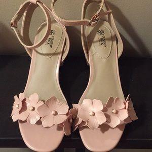 NWOT Adorable Sandals for Spring🌸